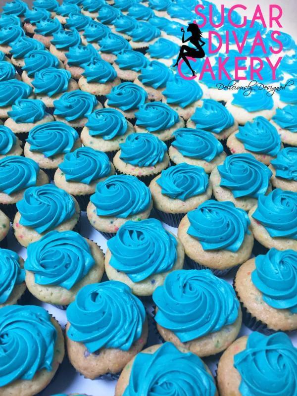 teal mini cupcakes